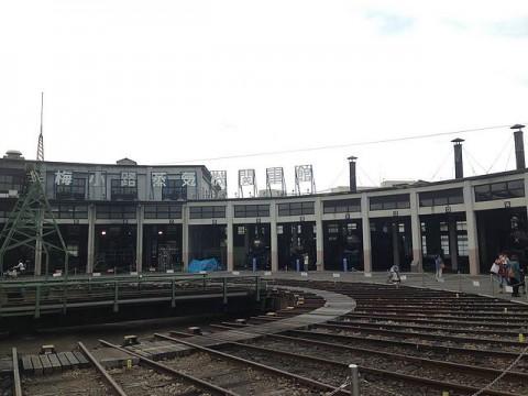 梅小路蒸気機関車館の扇形機関庫