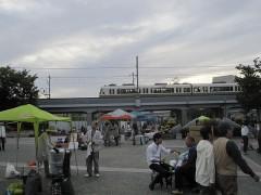 梅小路蒸気機関車館の前の公園ではイベント開催中
