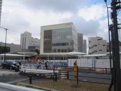 箱みたいな東中野駅ビル