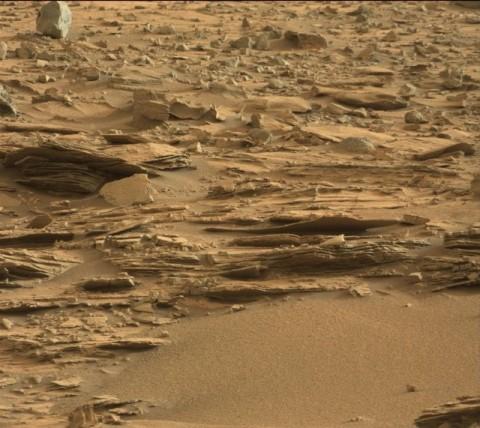 荒涼とした火星表面に…
