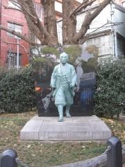 富岡八幡宮にある伊能忠敬の像