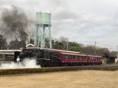 走る蒸気機関車