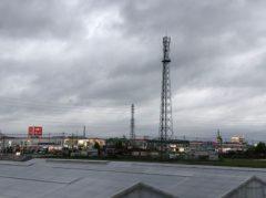 平成の風景…ユニクロと携帯電話の鉄塔