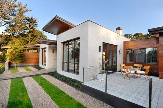 IB Roof Membrane On Contemporary Ranch House