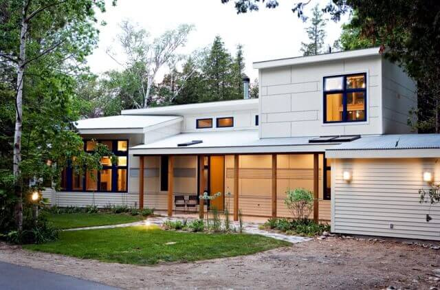 White Flat Roof on a Modern Home