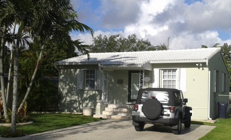Concrete tile roof in Miami Springs, Florida