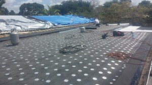 Flat Roof insulation Screws and Plates