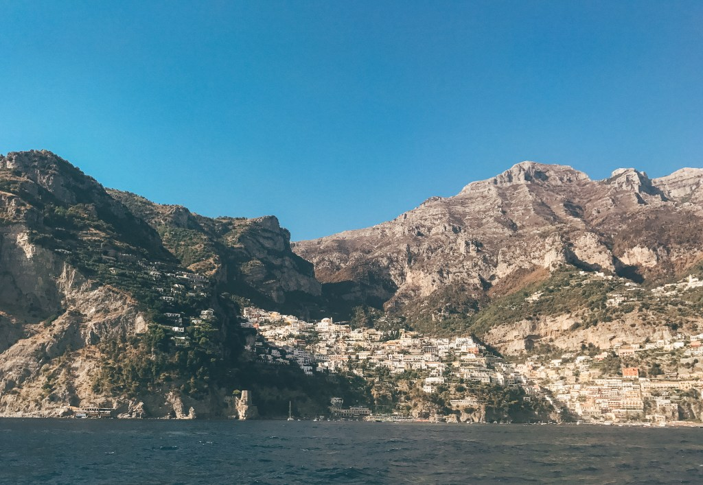 Room Service and Rose Guide to Capri