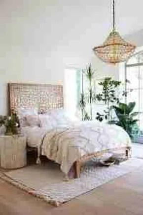 Anthropologie Albaron bed chandelier