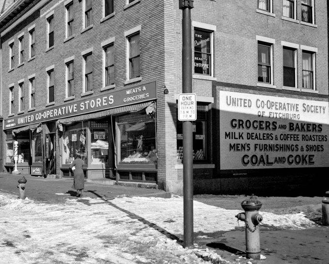Cooperative store. Fitchburg, Massachusetts. 1936.