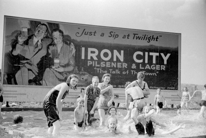 Homemade swimming pool for steelworkers' children, Pittsburgh, Pennsylvania.