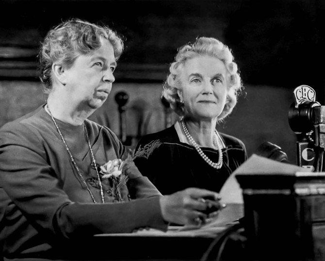 Eleanor Roosevelt and Clementine Churchill at the second Quebec Conference, Canada. 1944.