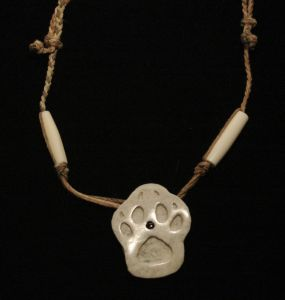 bone jewelry wolf carving