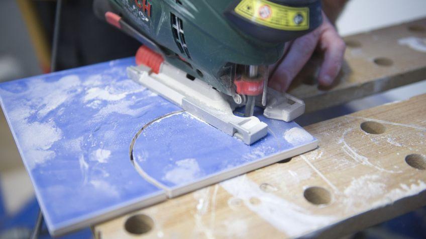 Cómo cortar azulejos en curva