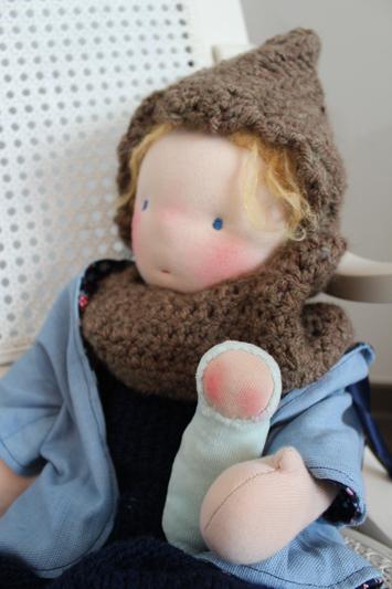 Puppe nach waldorf art baby Däumling Häkel Mütze