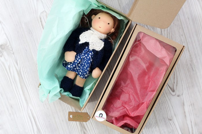 Puppen Karton