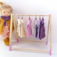 [:de]Vom Puppen Kleiderständer[:en]My dolls clothes rack[:]