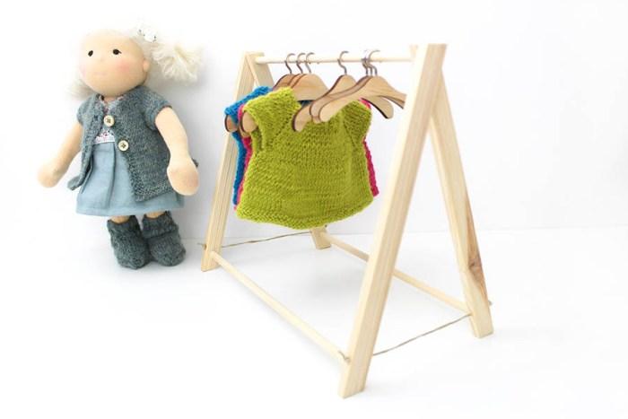 Puppen kleider ständer