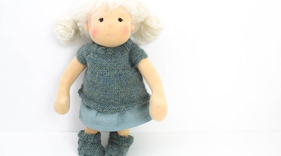 Waldorf inspirierte Puppe Neve