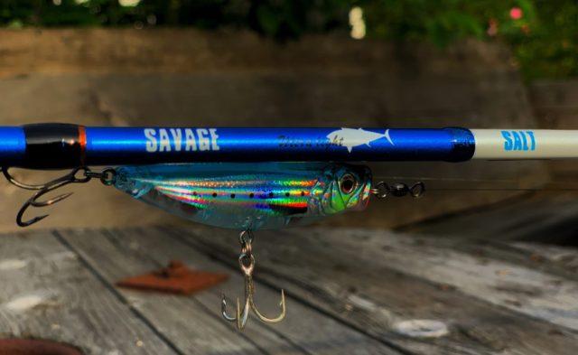 Rosareke tester fiskestenger til sjøørret her ser du Savage Gear 1DFR Ultra Light. En fantastisk stang til det lette sjøørret fisket.