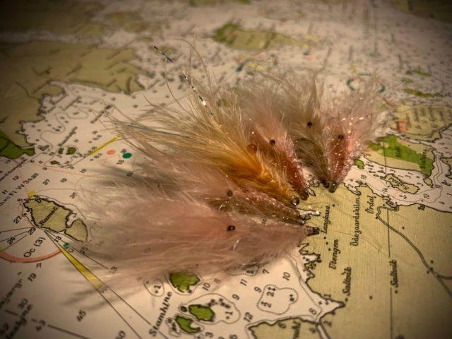 Sjøørretfluen rosareke i flere spennende varianter. Det er denne flua jeg fisker mest med.