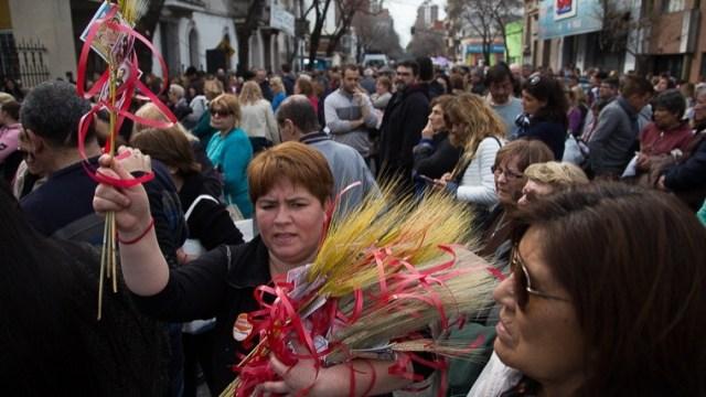 Mucha gente se hizo presente en san Cayetano.