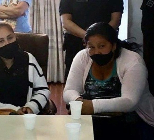 Ovando había sido juzgada yabsuelta en 2012 por la muerte de una de sus hijasa causa de un cuadro de desnutrición.