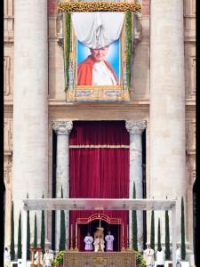 Papa Benedetto XVI durante la Beatificazione di Giovanni Paolo II