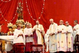 Cruzada del Rosario con P. Peyton en Lima (1982)