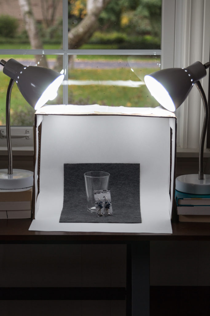 DIY Photography Lightbox Tutorial | https://www.roseclearfield.com