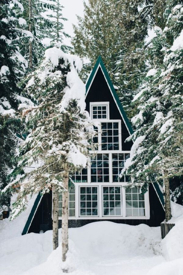 Winter Photography Inspiration - Winter A Frame | https://www.roseclearfield.com