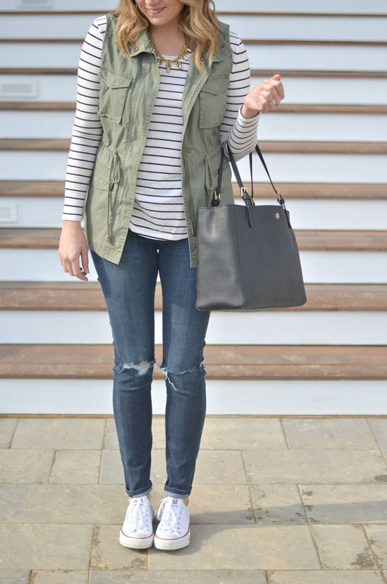 Casual Spring Fashion Inspiration 6 | http://www.roseclearfield.com