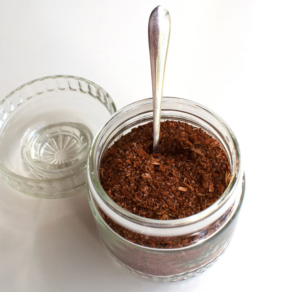 Last Minute DIY Father's Day Gift Ideas - Best Ever Steak Rub via Sprinkles and Sprouts | http://www.roseclearfield.com