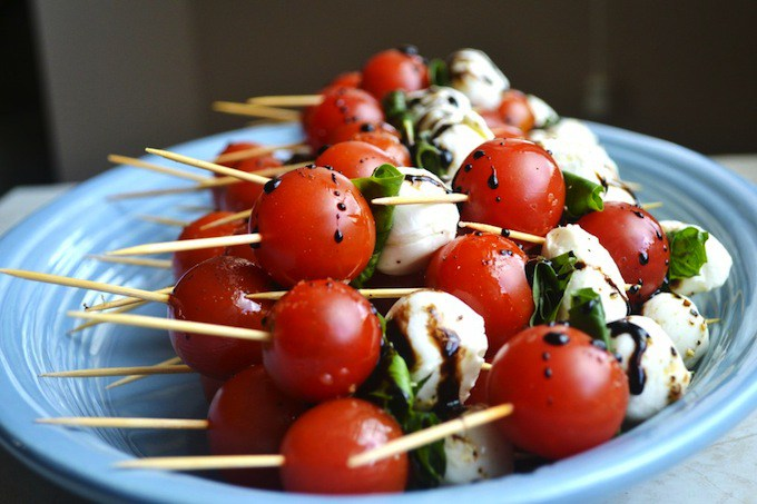 Fourth of July Recipe Ideas - Caprese Skewers via Stuck on Sweet | http://www.roseclearfield.com