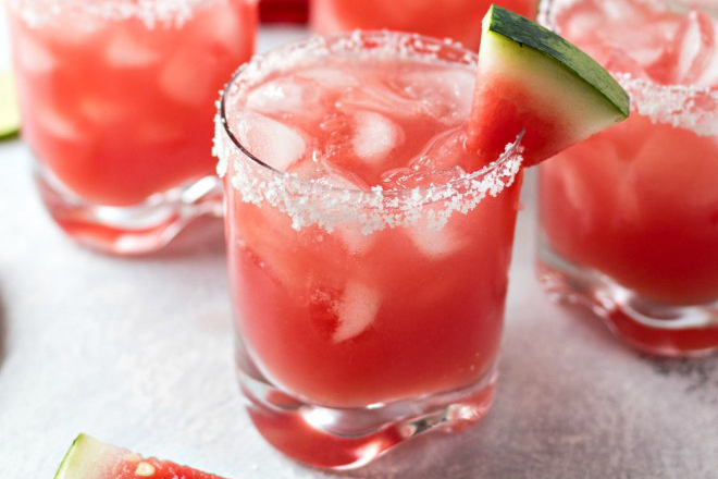 Fourth of July Recipe Ideas - Waterlemon Margaritas via Certified Pastry Aficionado | http://www.roseclearfield.com