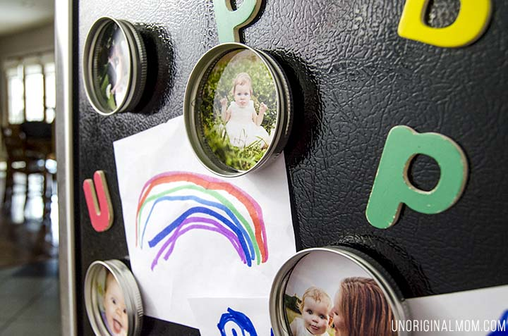 Unique Mother's Day Photo Gift Ideas - Upcycled Mason Jar Lids via Unoriginal Mom | https://www.roseclearfield.com