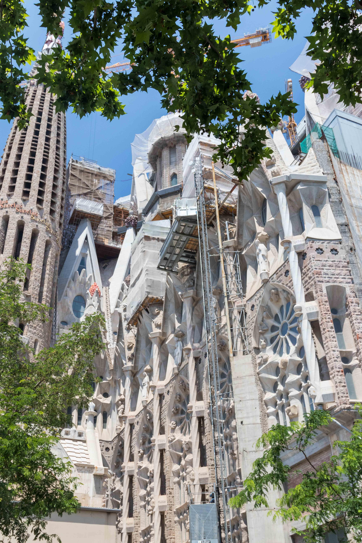Barcelona Sagrada Familia Exterior | http://www.roseclearfield.com