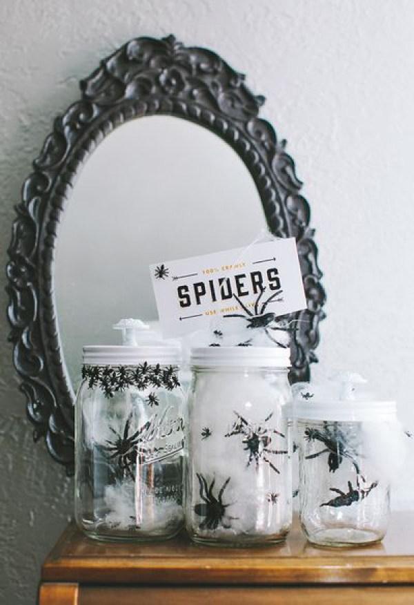 DIY Halloween Mason Jar Decor - Spider Halloween Mason Jars via Cosmo Cricket | https://www.roseclearfield.com