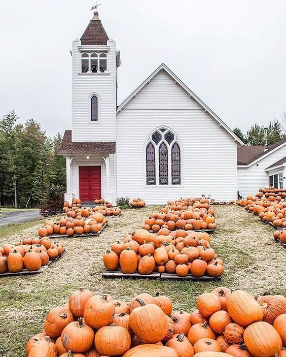 Fall Photo Inspiration - Pumpkins in Front of a Church in Fall by Zio and Sons on Instagram | https://www.roseclearfield.com