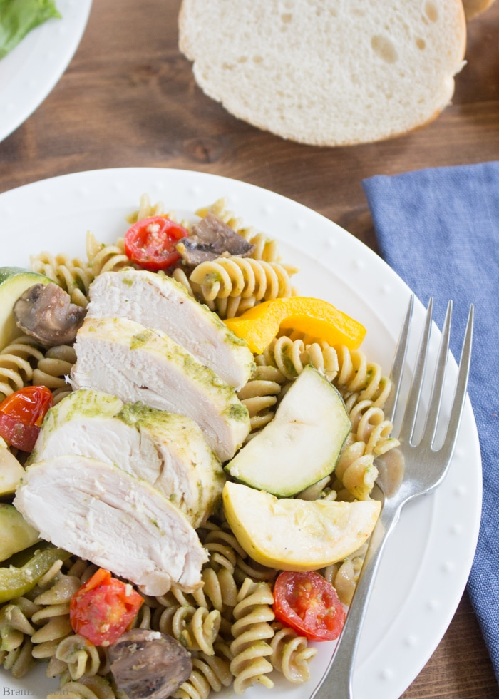 30 Days of Healthy Slow Cooker Dinner Recipes - Chicken Pesto Pasta Easy Crock Pot Recipe via Bren Did | http://www.roseclearfield.com