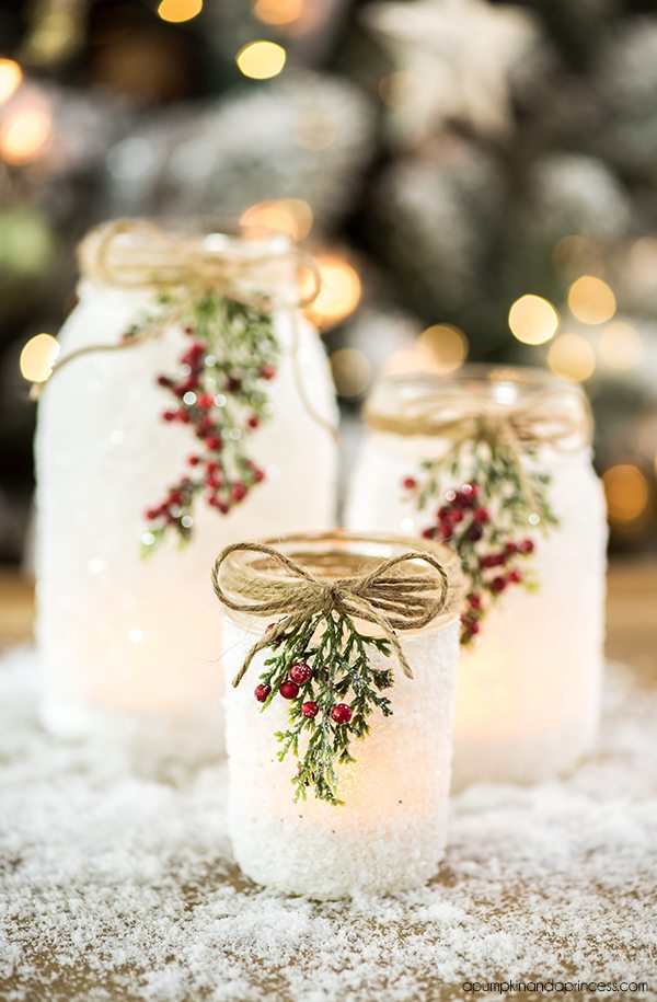 DIY Christmas Mason Jar Decor - DIY Snowy Mason Jars via A Pumpkin and a Princess | https://www.roseclearfield.com