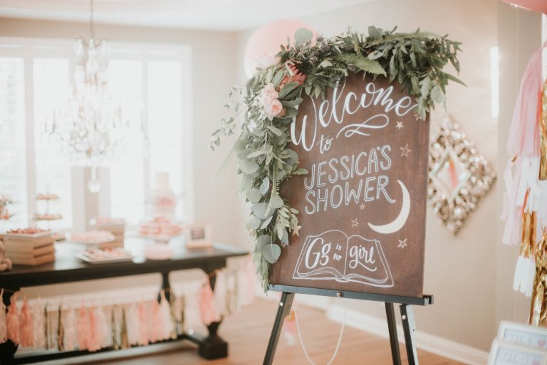 Floral baby shower welcome sign as part of an adorable vintage tropical baby shower via The Beauty Approach. #floral #babyshower #showerwelcomesign   https://www.roseclearfield.com