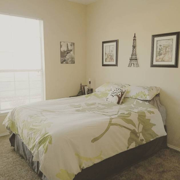 Guest bedroom | Rose Colored Water