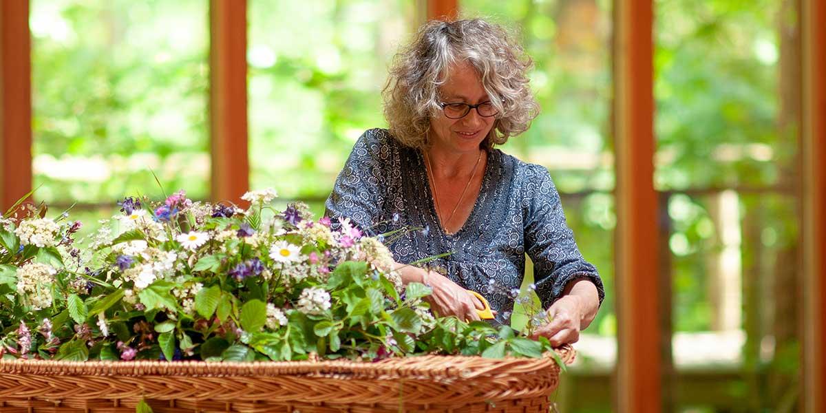 choosing funeral flowers norfolk and suffolk