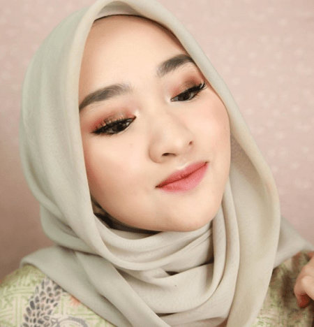 makeup lebaran, makeup lebaran natural glam, makeup lebaran 2019, inspirasi makeup lebaran, inspirasi makeup lebaran dari beauty selebgram indonesia, make up lebaran kiara leswara