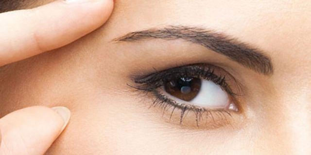 Est-ce que le maquillage abime la peau?