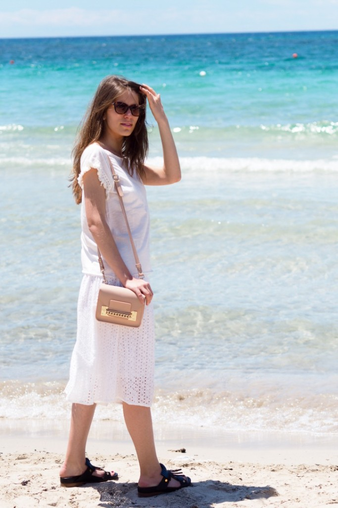 white_beach_look