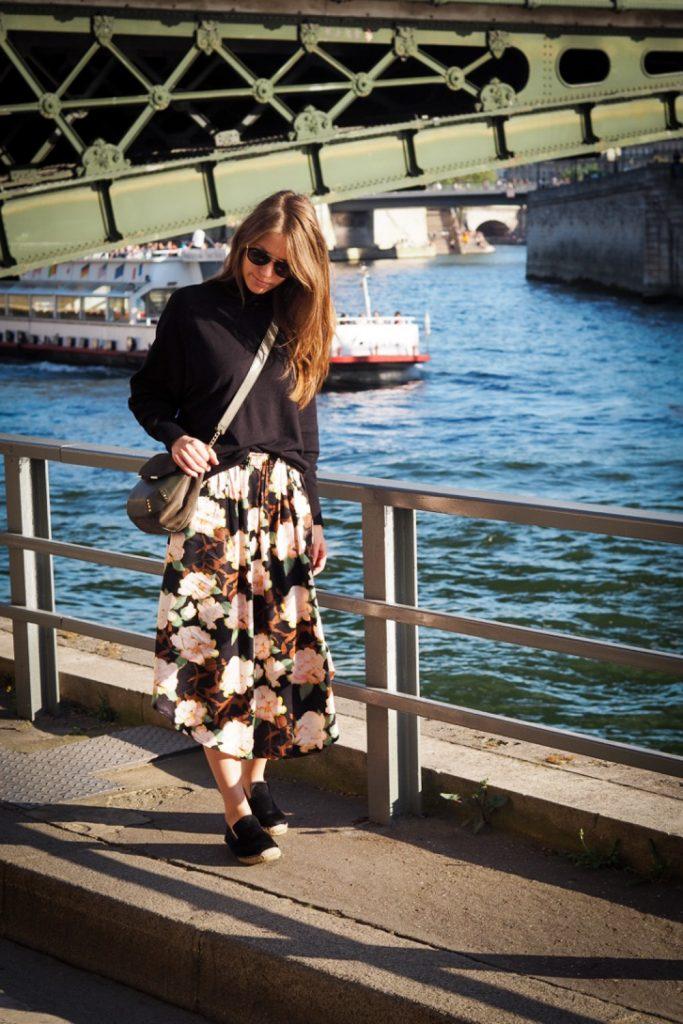 dans_les_rues_parisiennes_rosesinparis