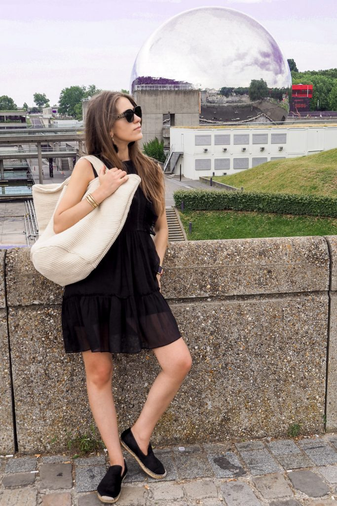 Paris_based_blogger_black_dress_look