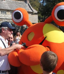 Mike interviewing Nipper the crab at Carisbrooke Castle on IOW day